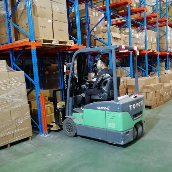 山東重型倉儲貨架廠家直銷貨架壽命有多長?